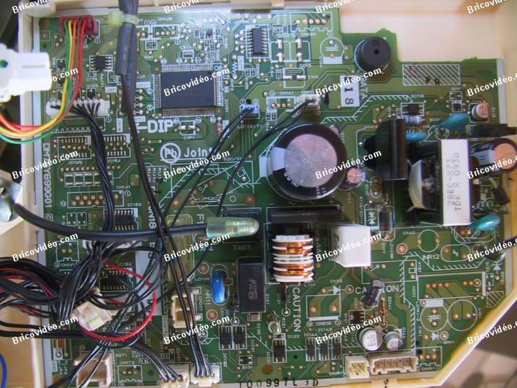 Brancher télécommande filaire climatiseur Mitsubishi