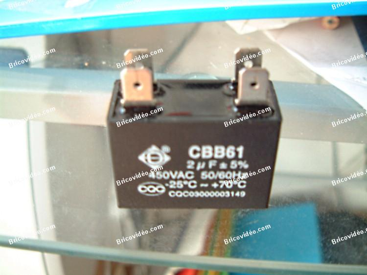le role du condensateur dans un climatiseur blog sur les voitures. Black Bedroom Furniture Sets. Home Design Ideas