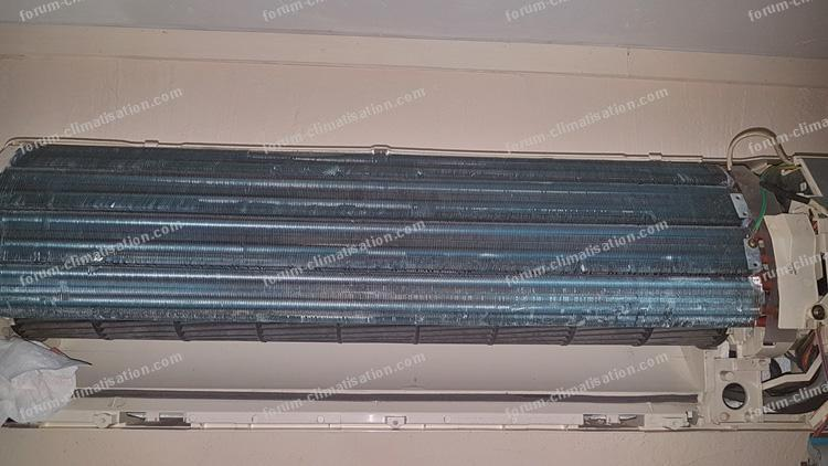 projection d'eau climatiseur