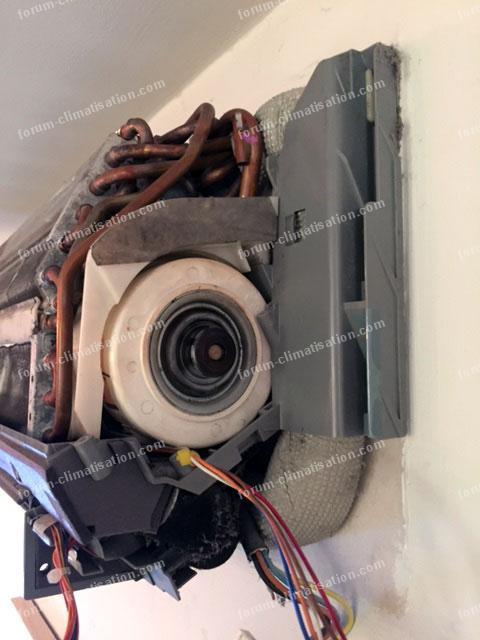 d pannage climatisation conseils pour remplacer un moteur split daikin ftxg35ev1bs. Black Bedroom Furniture Sets. Home Design Ideas
